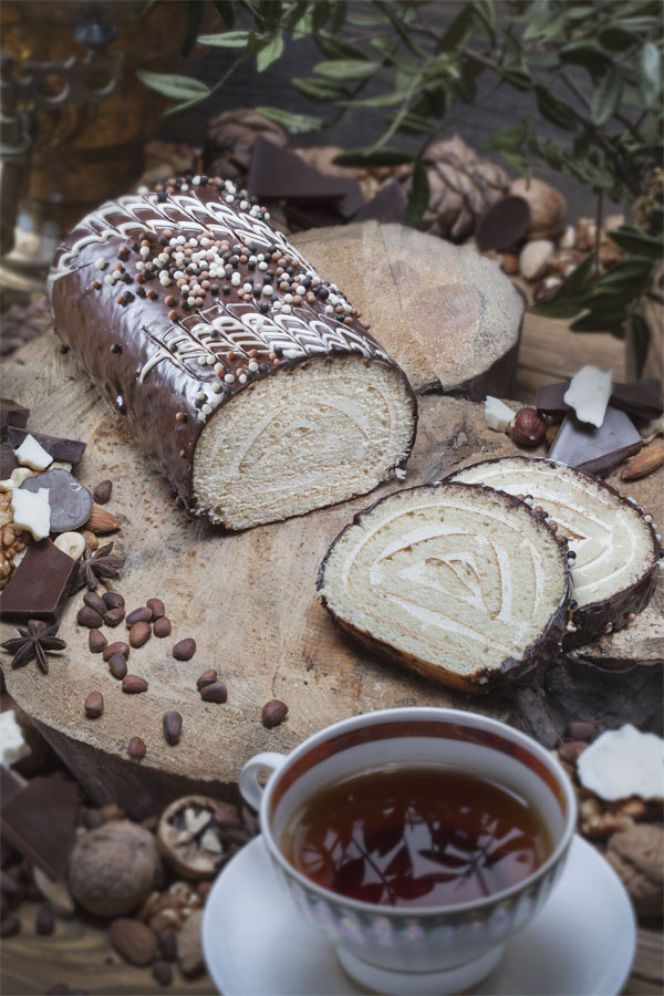 рулет С шоколадной глазурью